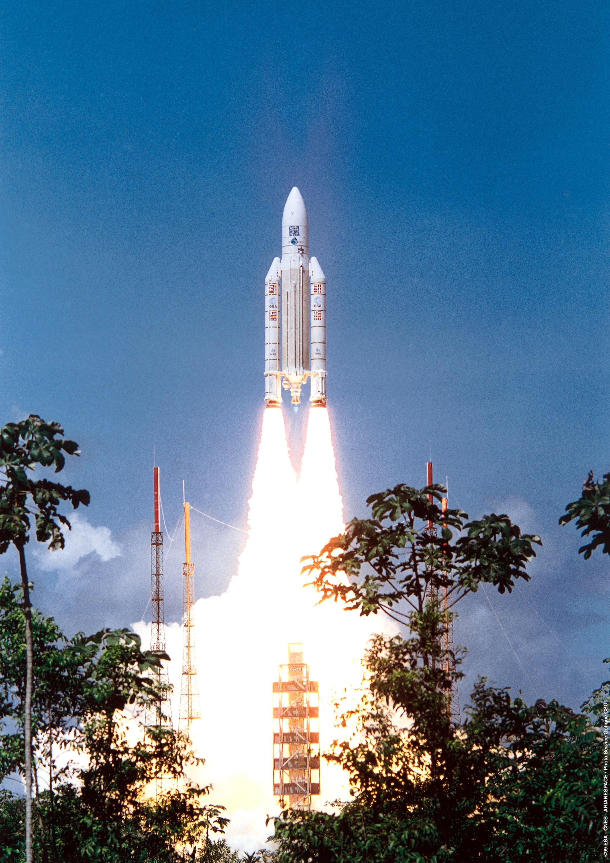 ariane_xmm_launch.jpg